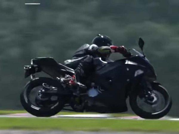 รถจักรยานยนต์ EV ใหม่ของ Kawasaki มีเกียร์ธรรมดา
