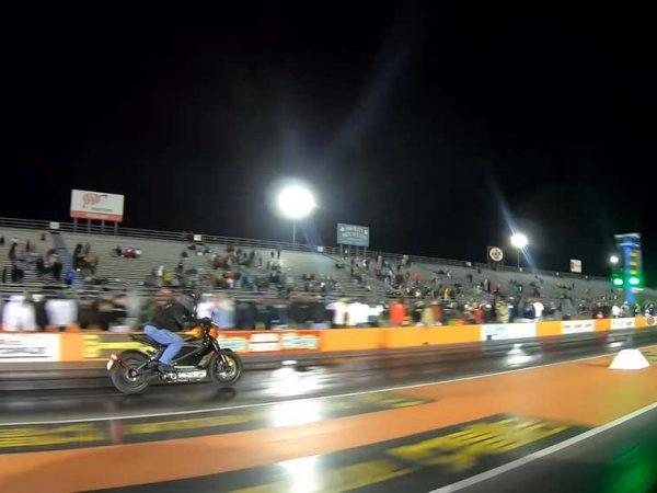 Harley-Davidson LiveWire เร็วกว่าประสิทธิภาพของ Tesla Model 3
