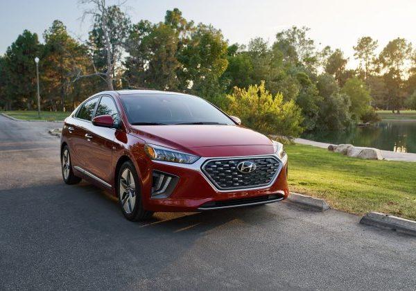 2020 Hyundai Ioniq: รถยนต์ที่ดีที่สุดภายใต้ $25,000 ปี 2021
