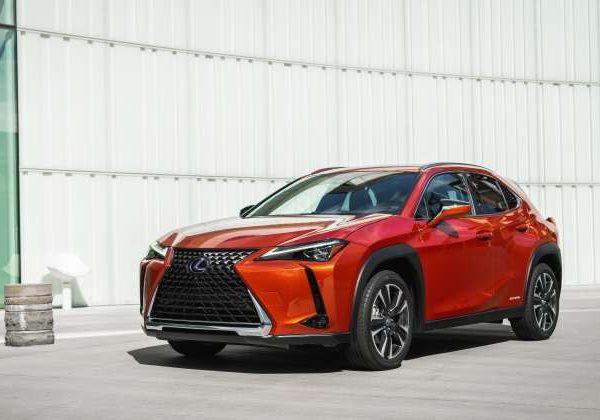2021 Lexus UX Hybrid : รถยนต์ที่มีไมล์สะสมแก๊สดีที่สุดในปี 2564