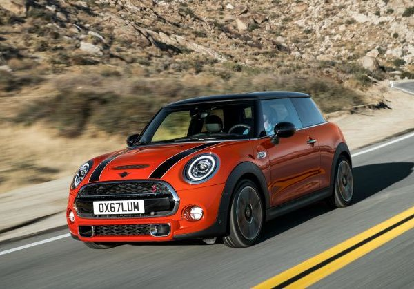 10 รถยนต์ที่ดีที่สุดที่จะเปรียบเทียบกับ Mini Cooper 2021