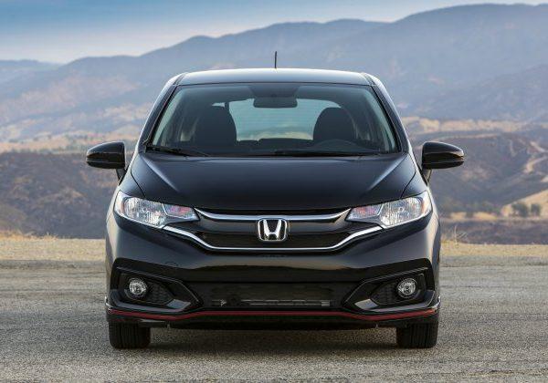 2020 Honda Fit : รถยนต์ที่ดีที่สุดที่จะเปรียบเทียบกับ Mini Cooper 2021