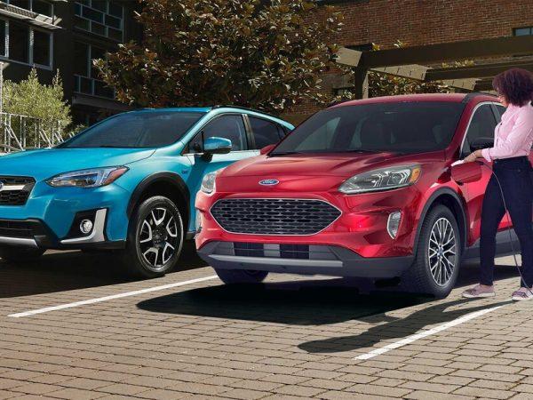 2021 Ford Escape PHEV กับ Subaru Crosstrek Hybrid: SUV ไฟฟ้าและแก๊สขนาดเล็กตัวไหนดีกว่ากัน?