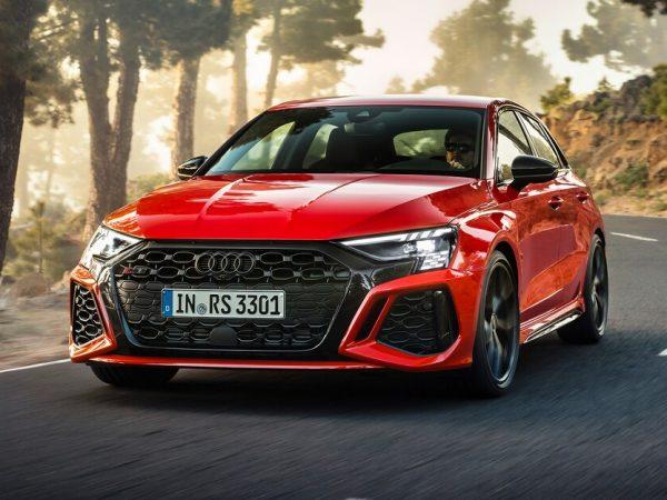 โฉมแรก Audi RS3 ปี 2022: เล็ก ทรงพลัง และพร้อมที่จะดริฟต์