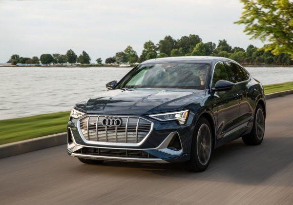 2020 Audi e-tron Sportback  :รถยนต์ที่มีไฟหน้าดีที่สุดสำหรับปี 2021