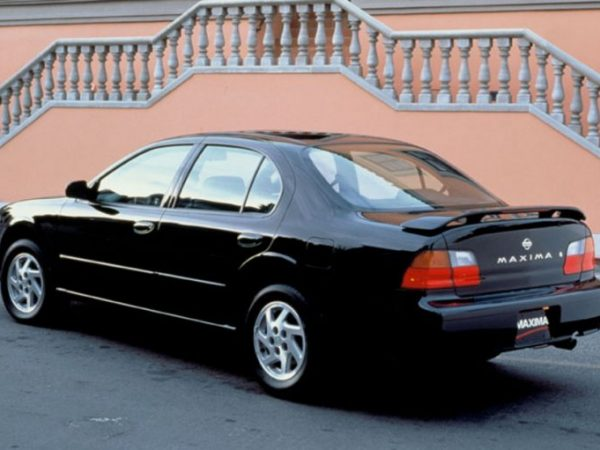 V6 รถเก๋งญี่ปุ่นขนาดกลางปี 1997